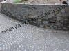 muro luserna e pavimento in cubetti