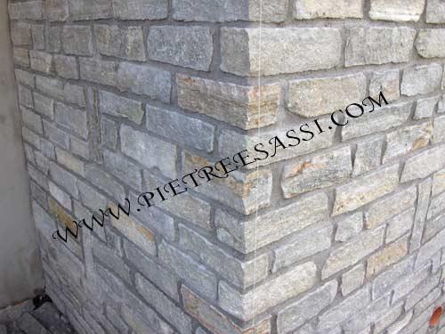 Muri in pietra pietreesassi for Sassi finti per esterno