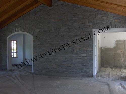 Muri in pietra pietreesassi - Piastrelle per muri interni ...