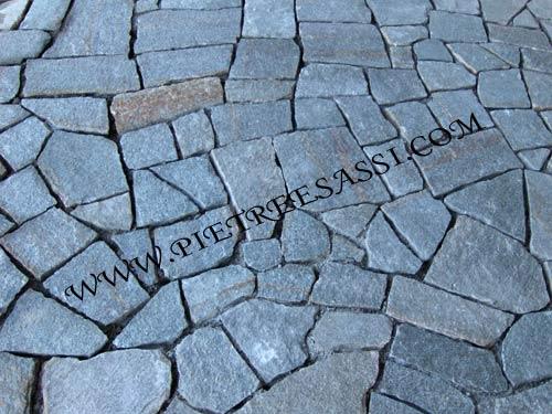 lastre di luserna a mosaico