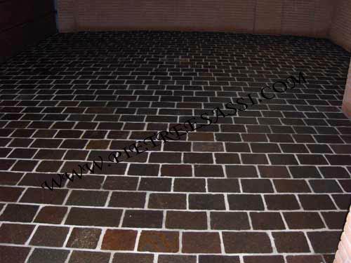 pavimento in porfido, piastrelle a correre