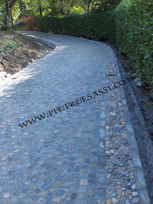Pavimentazione giardino pietreesassi - Viali da giardino ...