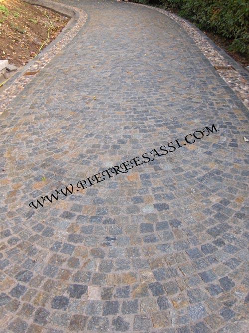 Pavimentazione in pietra pietreesassi - Pavimentazione giardino in pietra ...