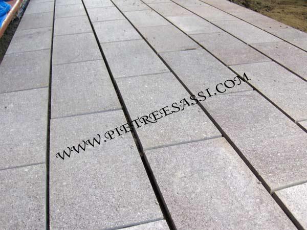 Pavimento esterno pietreesassi - Soglie per finestre moderne ...