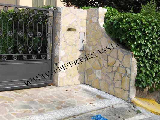 rivestimento in pietra di Trani ingresso