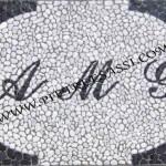 iniziali mosaico ciottoli tranciati