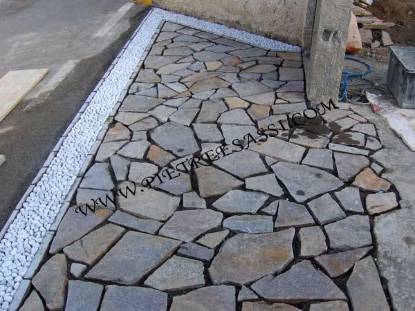 Porfido opus incertum pietreesassi - Pavimentazione cortile esterno ...