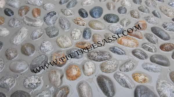 pietre di fiume sigillate a cemento